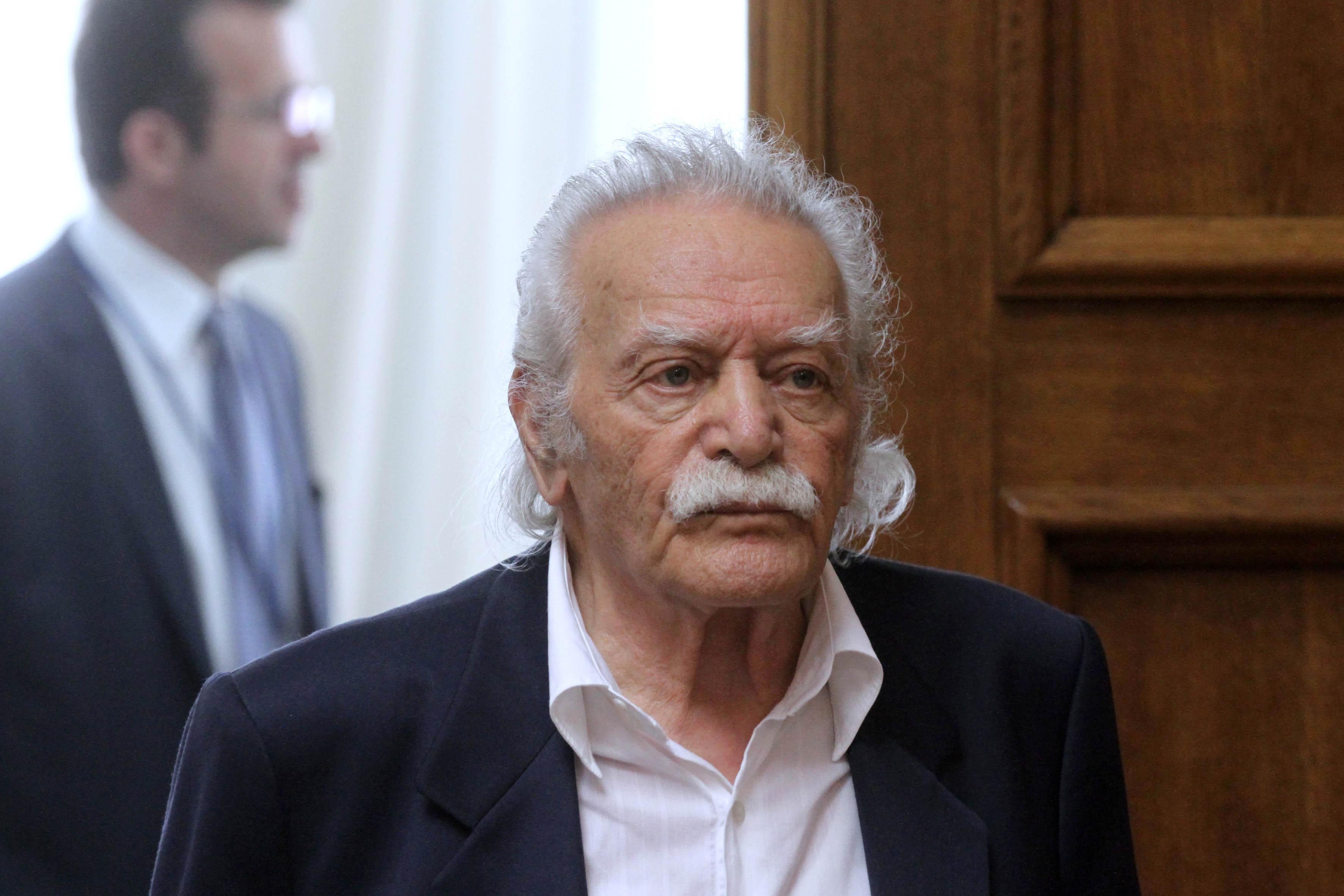 Γλέζος: Ζητώ συγγνώμη από τον Ελληνικό Λαό που συνήργησα στον συμβιβασμό!