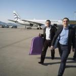 Η άγνωστη ιστορία για την πτήση του πρωθυπουργού στην οικονομική θέση – Σε ποια αποστολή έστειλε ο Τσίπρας το πρωθυπουργικό αεροπλάνο (φωτο)