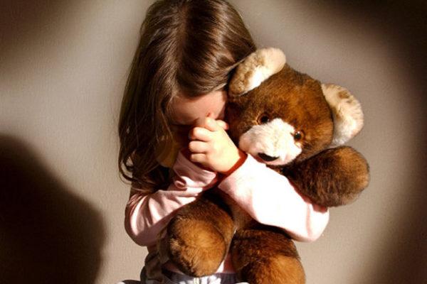 ΠΑΤΡΑ: Στα αζήτητα τρία κοριτσάκια ηλικίας 2,5 ετών , 5 μηνών και 3 ετών ,